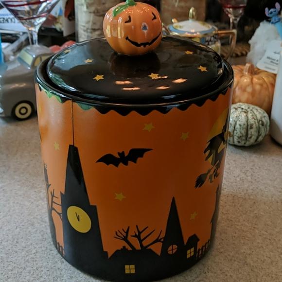 Hallmark Other - Hallmark Halloween 🎃 Cookie Jar Rare